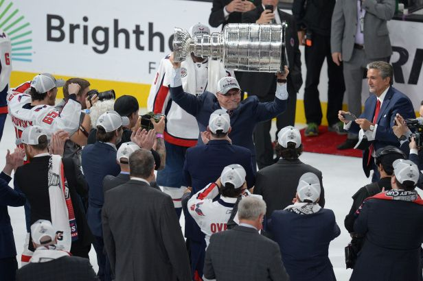 Trenér Trotz nečekal na nové místo dlouho. Vítěz Stanley Cupu podepsal u Islanders