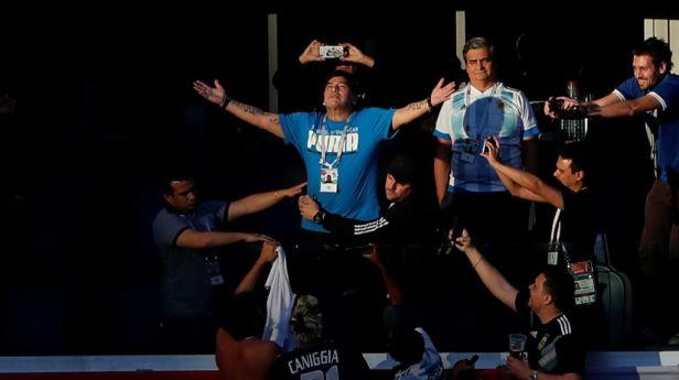 Diego Armando božský a ďábelský. Kdo byl Maradona?