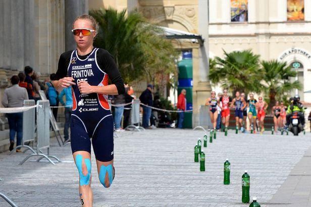 Karlovarský triatlon má nabitou startovní listinu, Frintová obhajuje druhé místo