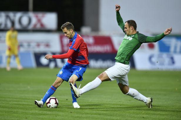 Jablonec měl proti Plzni kopat penaltu, zhodnotila komise. Chybu udělal sudí i na Spartě