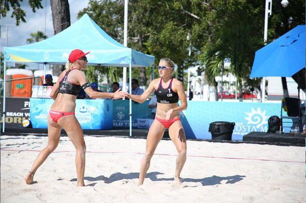 Kvapilová s Kubíčkovou ovládly Beach Series v Chodově, mužům kralovalo šestkové duo