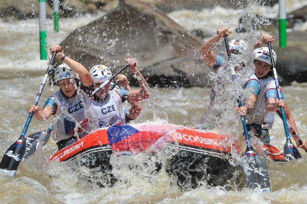 Češi na argentinské řece Aluminé excelují, na MS v raftingu si jezdí pro medaile