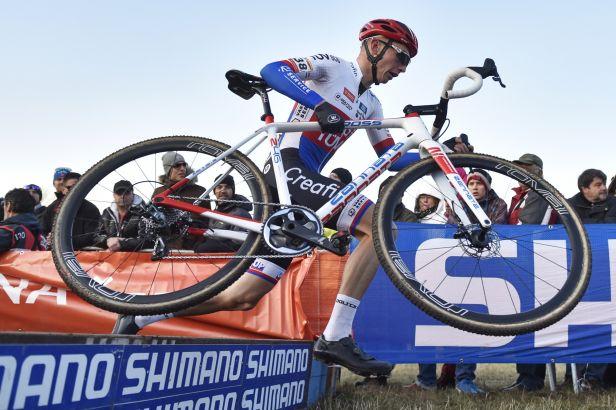 Boroš dojel v úvodním závodu cyklokrosového poháru v Boleslavi druhý
