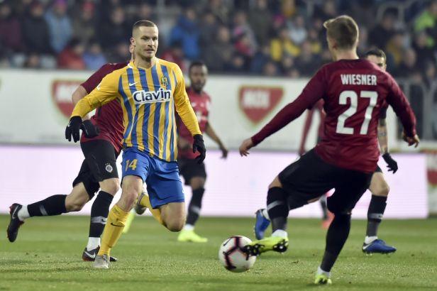 Sparta vydolovala v poháru postup přes Opavu, rozhodnout musely penalty