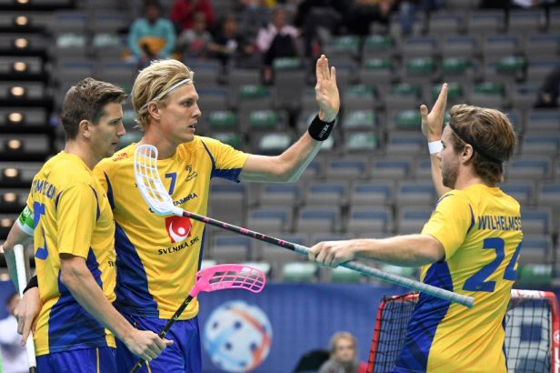 Florbalové kanonády. Švédové nadělili Dánům 25 gólů, Slováci nasázeli osmnáct branek