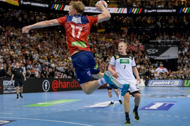 Norové vystavili Němcům stopku. Severské finále MS si zahrají s Dány, kteří lehce přehráli Francii