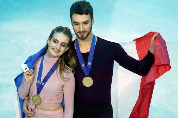 Francouzský pár Papadakisová a Cizeron slaví pátý evropský titul v tancích na ledě