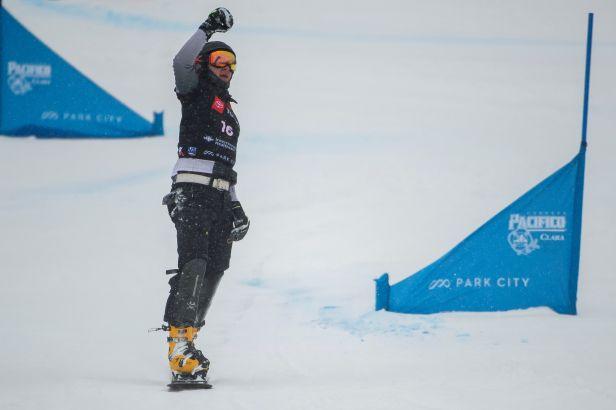 Loginov triumfoval i v paralelním slalomu a bere druhé zlato, ženám vládla Zoggová