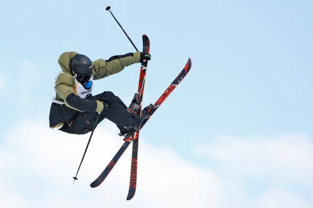 Zlato ze slopestylu na lyžích uzmul v těžkých podmínkách Brit Woods