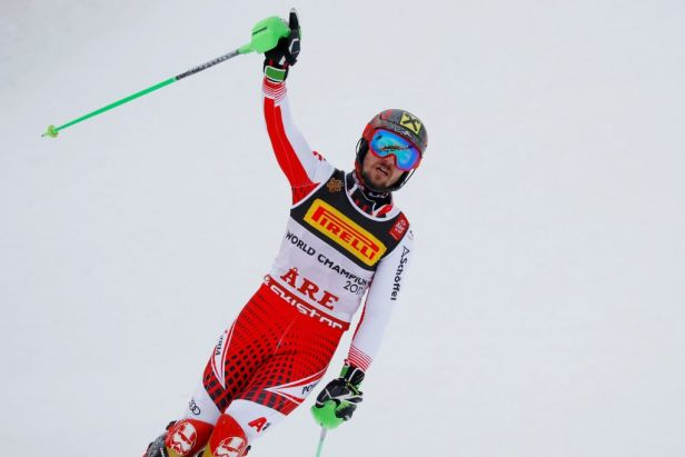 Rakušané si podmanili slalom, fenomén Hirscher bere zlato s puncem rekordu