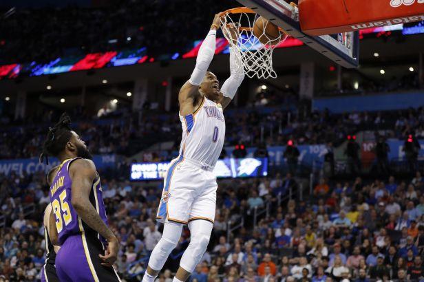 Rána pro Houston před dohrávkou NBA. Westbrook má koronavirus