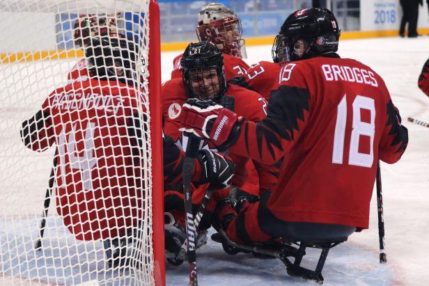 Parahokejisté největšího favorita MS nezaskočili, s Kanadou prohráli o 10 gólů