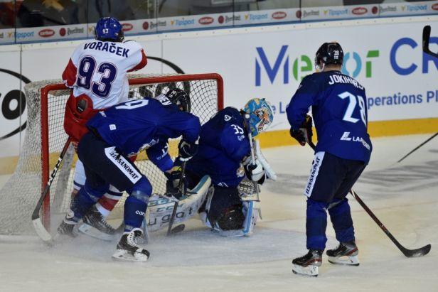 Češi ani přes závěrečný tlak srovnat nestihli, Finům vyšla sázka na trpělivou hru