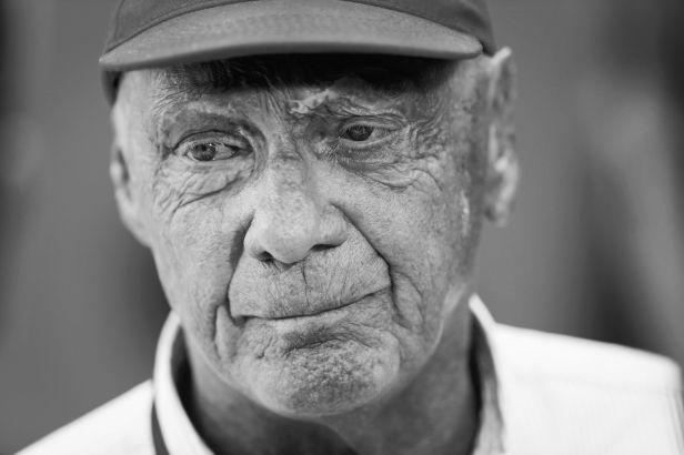 Neohrožený Lauda skonal. Legendě formule 1 bylo 70 let