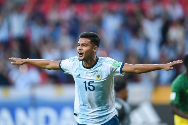 Argentinci si poradili s Portugalskem a postupují do play-off MS dvacítek