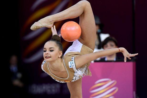 Grand Prix Brna v moderní gymnastice patřila Nikolčenkové, Chamzinové se dařilo s míčem
