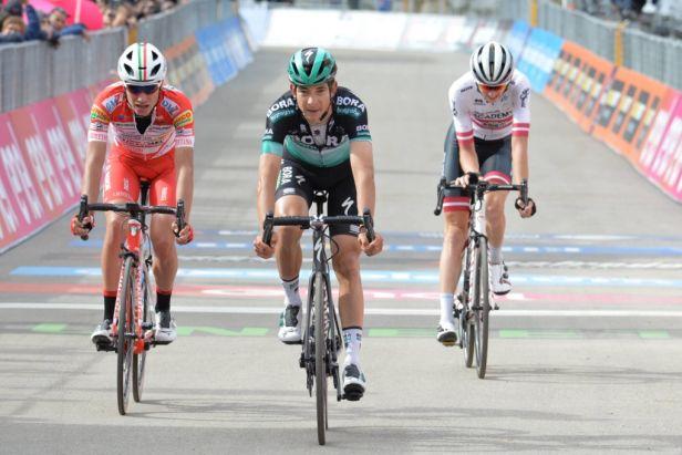 Kaňkovský si zlomil kyčel a závod Kolem Maďarska nedokončil. Celkový triumf slaví Neilands