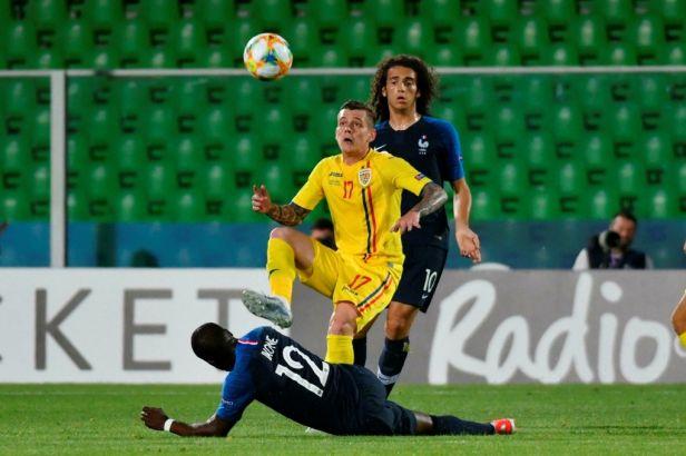 Semifinále šampionátu do 21 let si zahrají i Rumuni s Francouzi, pomohla jim vzájemná remíza