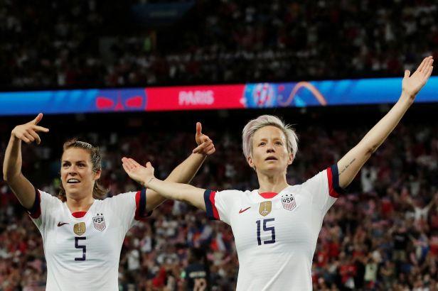 Fotbalistky USA chtějí mít stejně jako muži, rozdíl dělá 66 milionů dolarů
