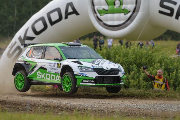 Rallye Bohemia začal nejlépe Kopecký, ale soupeři jsou těsně za ním