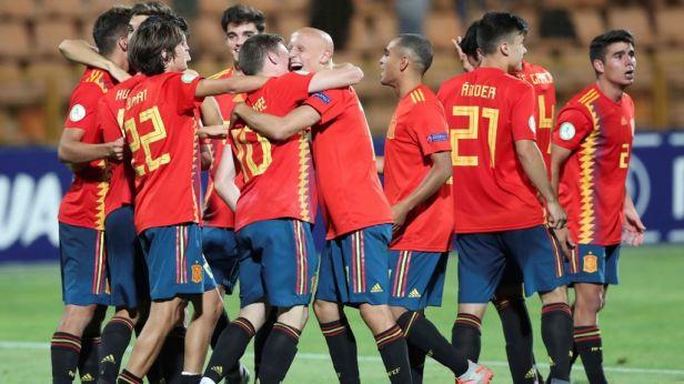 Devatenáctiletý Torres zařídil dvěma trefami Španělům titul mistrů Evropy