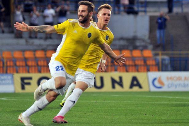 Hradec Králové a Líšeň ve druhé lize nadělovaly, Prostějov zaváhal s Jihlavou