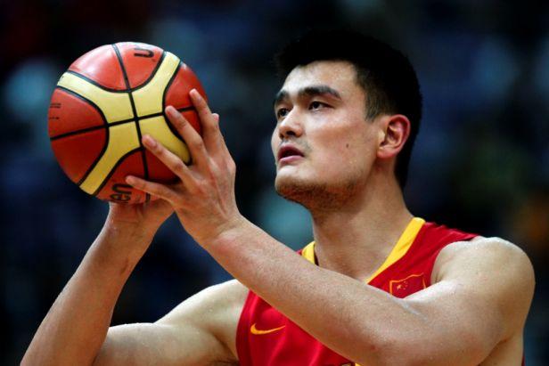 Zapomeňte na ping-pong, nejoblíbenějším sportem Číny je basketbal. A nejen díky Mingovi