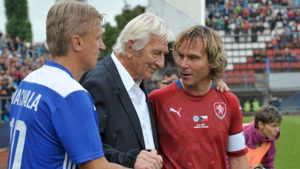 Fotbalovou slávu v Olomouci okořenili výhrou Nedvěd a spol.