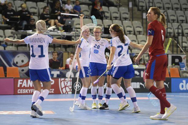 Florbalistky zahájily domácí turnaj EFT těsnou prohrou s Finskem
