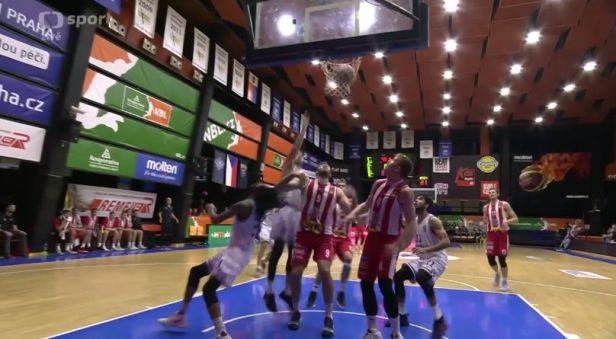 Basketbalisté Pardubic si vezou z Folimanky výhru, Hradec zvítězil nad Kolínem