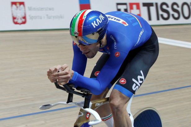 Ital Ganna zajel světový rekord ve stíhačce. A hned dvakrát