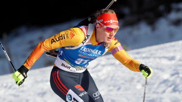 Vítěznou jízdu Eckhoffové utnula Herrmannová, Češky se střelecky trápí