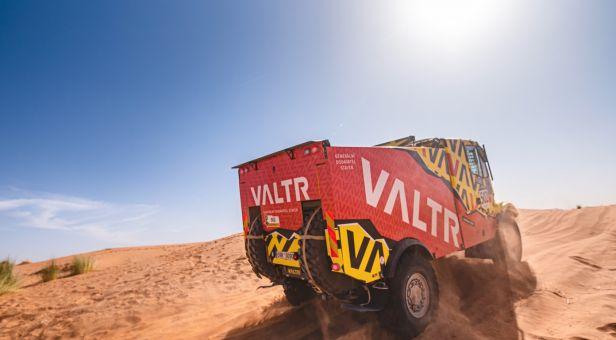 Valtr připravuje s rodinným týmem nový kamion, chce jet Dakar 2021