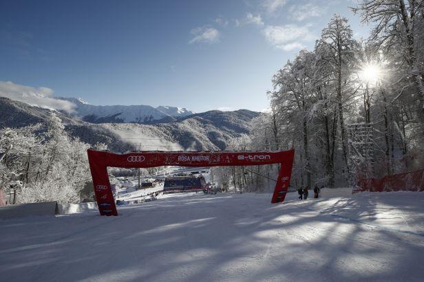 Ledecká si olympijskou sjezdovku v Krásné Poljaně nevyzkoušela, sjezd byl zrušen