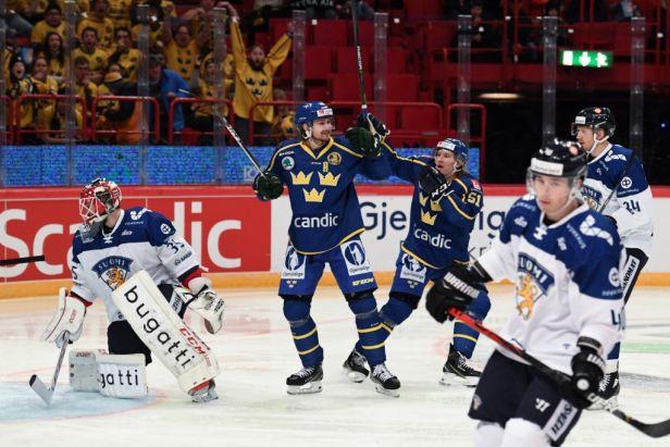 Severské derby v režii Švédů. Triumf na turnaji podpořil gólem a asistencí Fagemo