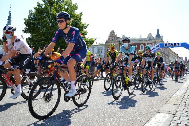 Meeus si podruhé v řadě podmanil etapu na Czech Cycling Tour, do žlutého jde Groves