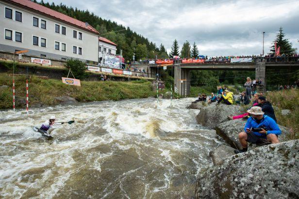 Osmnáctiletý kajakář Krejčí byl na SP v Tacenu šestý, Češky do finále nepostoupily