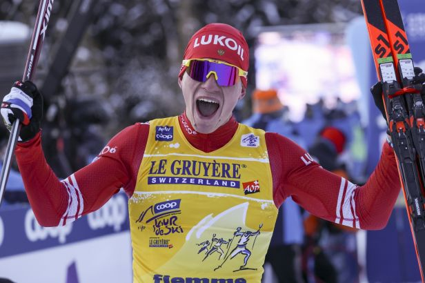 Bolšunov při výjezdu na Alpe Cermis překvapení nepřipustil a vyhrál Tour de Ski