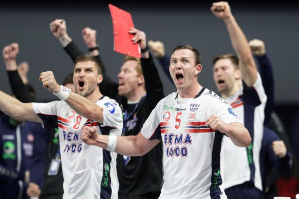 Šance Norů na MS zachránila tyč. Bělorusové vyválčili v posledních sekundách bod se Švédy