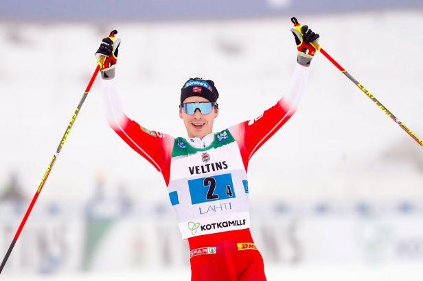 Bolšunov ztratil ve finiši štafet nervy a Rusko bylo diskvalifikováno, vyhráli Norové