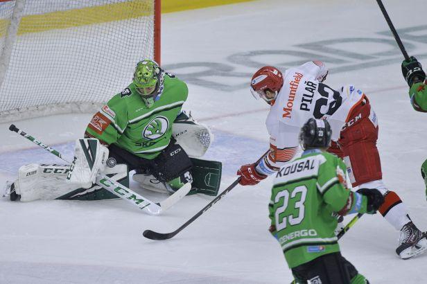 Mladá Boleslav je jednou nohou ve čtvrtfinále. Proti Hradci Králové udeřila v závěru