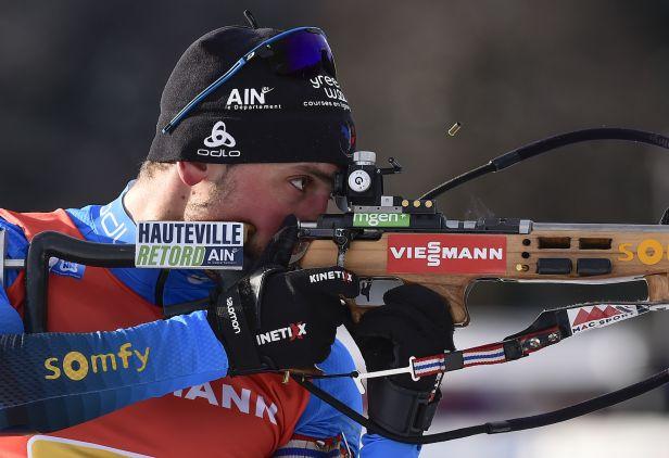 Desthieux zajel životní závod, čeští biatlonisté se sprintem protrápili
