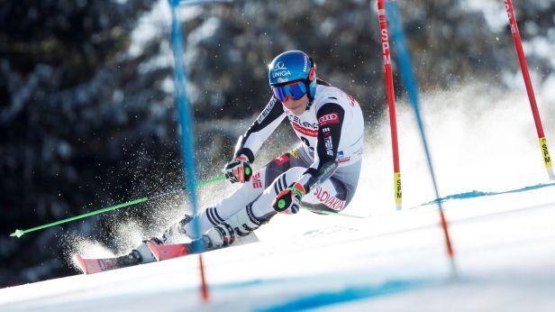 Nejlepší den pro Vlhovou. Na Jasné vyhrála obří slalom a útočí na výhru v SP
