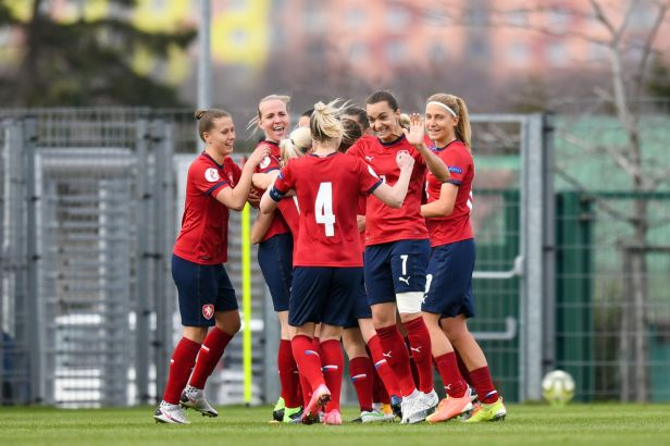 Fotbalistky deklasovaly doma v kvalifikaci MS Kypr 8:0