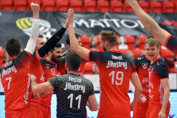 Karlovarsko se korunovace nedočkalo, třetí extraligové finále famózně otočil Jihostroj