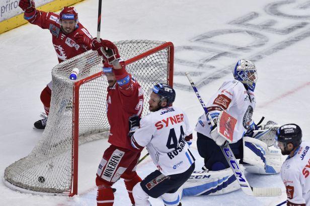Liberec doplatil na špatnou disciplínu. Třinec trestal v přesilovkách a vede 2:0 na zápasy