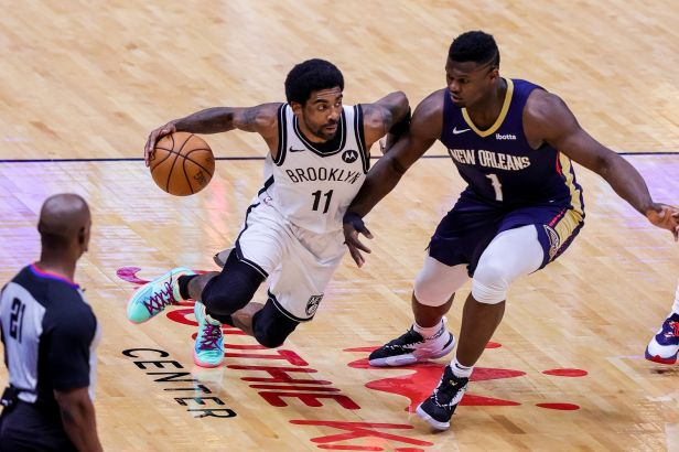 Irving kraloval posledním vteřinám a dovedl oslabený Brooklyn k výhře