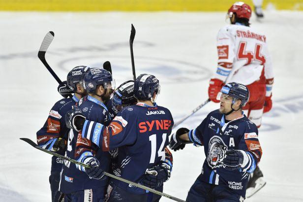 Liberec vynuloval Třinec a snížil stav finálové série