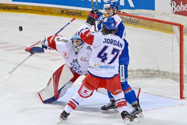 Draví Slováci dělali Čechům problémy. Odpor zlomili až v závěru Červený a Tomášek