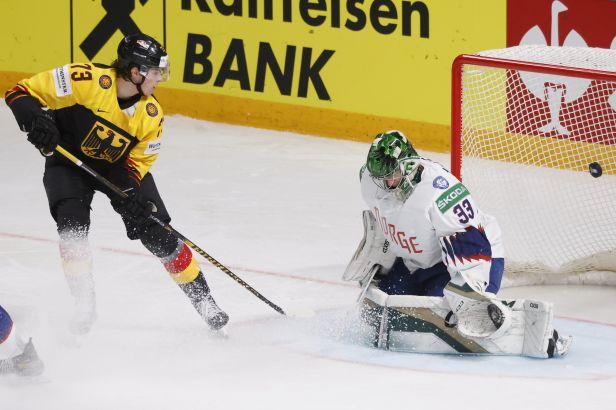Německo zválcovalo dalšího soupeře, proti Norsku řádila formace z Eisbärenu